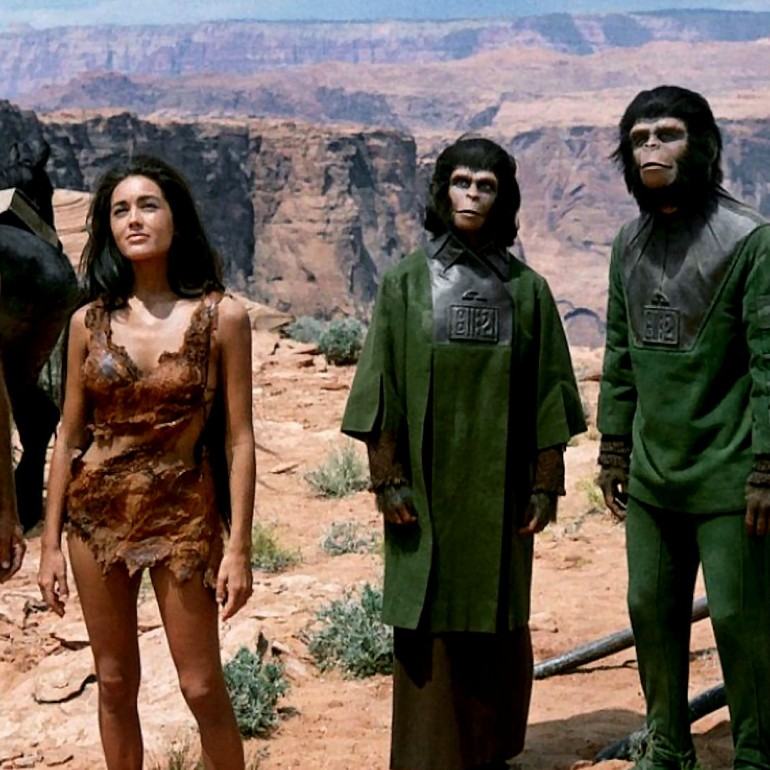 Planet of the Apes (1968): Aynaya Bakmak