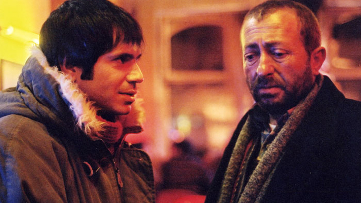 """Yazı Tura (2004): """"Yazı mı Tura mı? Ne Fark Eder ki Hangi Yüzü Gelse"""""""