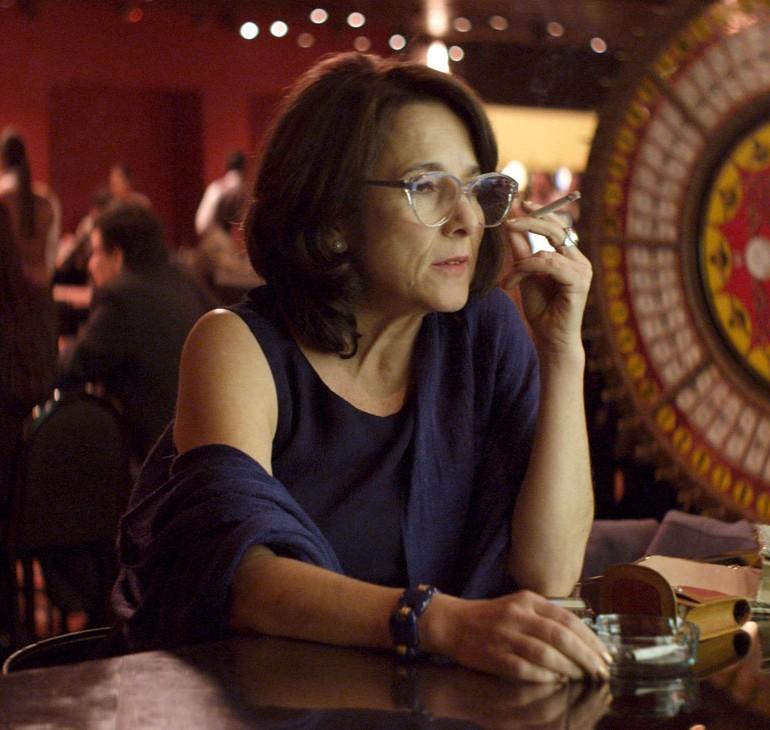 Gloria (2013): Politik Göndermeler Altında Bir Kadın Filmi