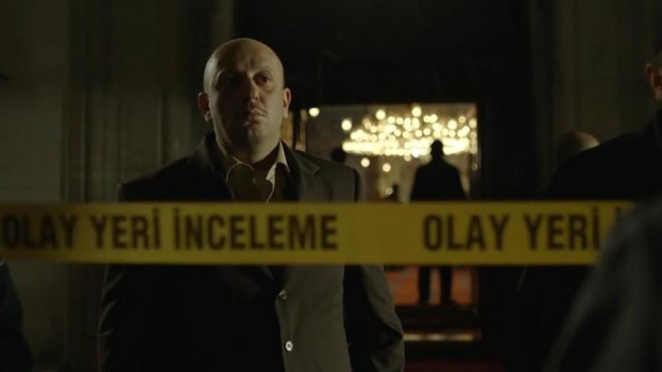 İtirazım Var (2014): İmam Dedektif'in Absürt Macerası