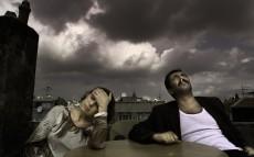 Üç Maymun (2008): Aileden Topluma
