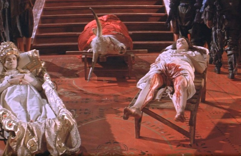 The Baby of Mâcon (1993): Din Yozlaşmasının Grotesk Hali