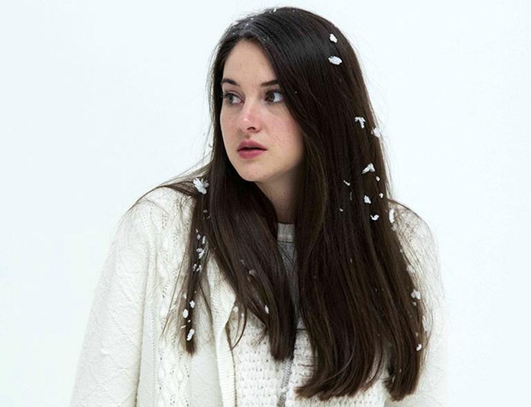 """White Bird in a Blizzard (2014): """"Ağlamak Güzeldir, Dökülünce Yaşlar Gözünden"""""""