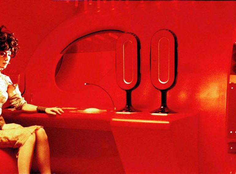 2046 (2004): Kukladan Oyuncuya – Can Bedenden Çıkmayınca