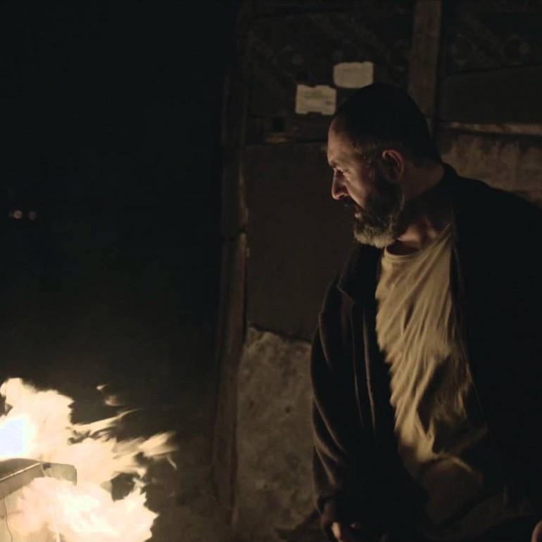 Abluka (2015): İktidarın Işığı