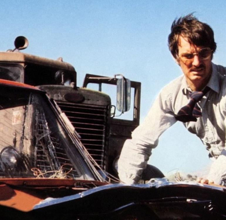 Duel (1971): İnsanın Makineyle Amansız Mücadelesi
