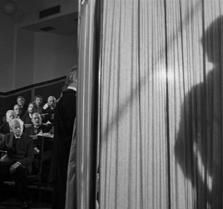 """The Elephant Man (1980): Kitlesel Röntgencilikten """"Medeni Dalgınlığa"""" Dönüşen İnsanlık"""