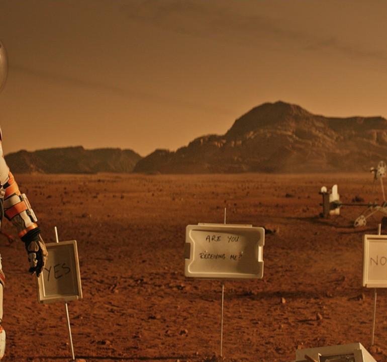 The Martian (2015): Hollywood Bir Kez Daha Damon'ı Kurtarmak İçin Seferber