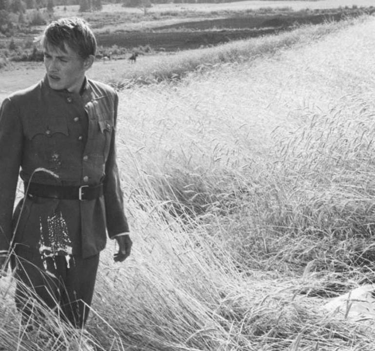 Csillagosok, Katonák (1967): Her Yer Kızıl, Her Yer Beyaz, Her Yer Savaş
