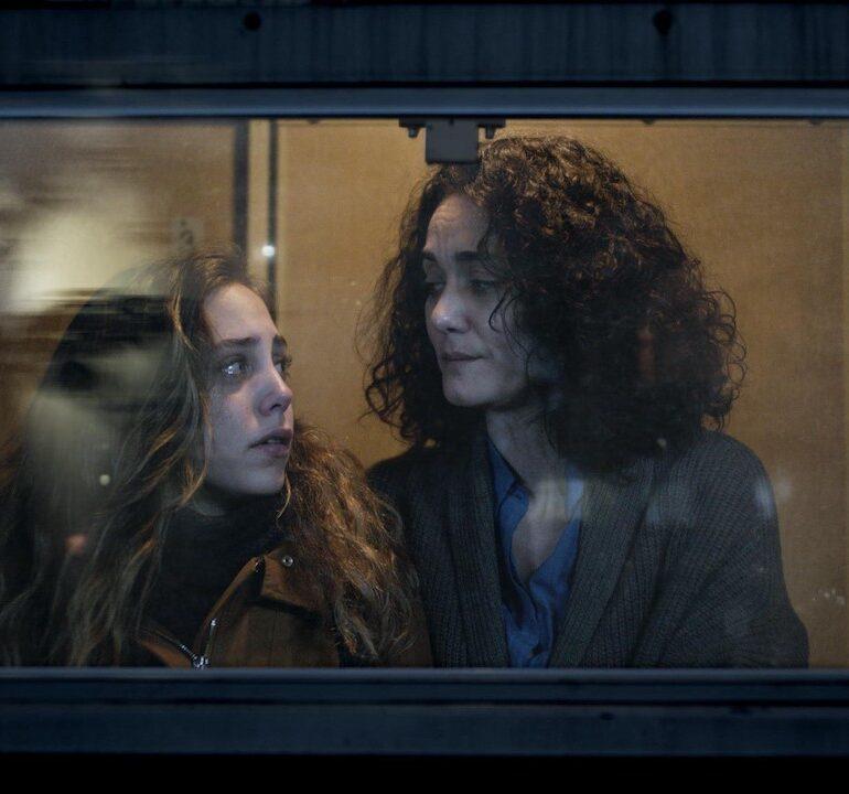 """Pelin Esmer: """"Yaptığımız Her Filmin Bir Köşesine Bizi Andıran Şeyler Yerleşir"""""""